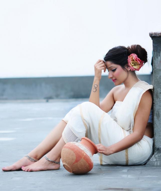 Buy Silken Splendor Handwoven Maheshwari Sarees Online At